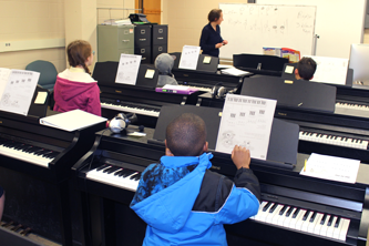 Group piano lesson for kids at UT