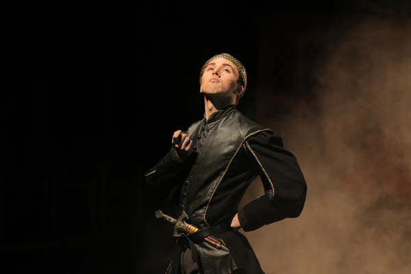 Nolan Thomaswick in the title role in the UT Department of Theatre and Film production of HENRY V