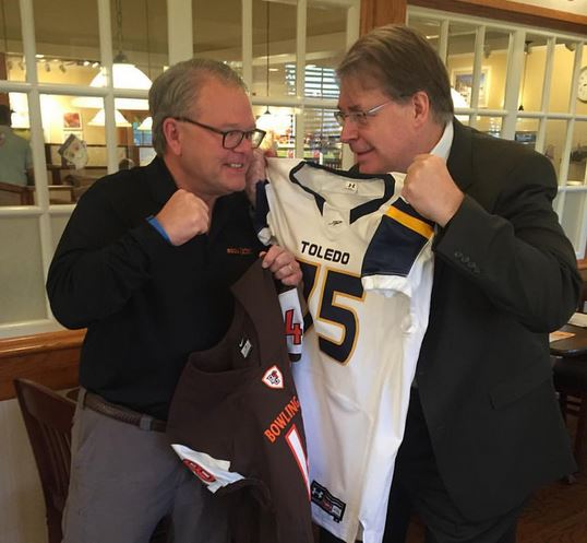 Business deans' boastful bet raises rivalry's ramifications