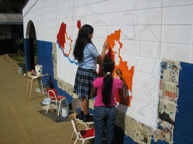 kids painting map