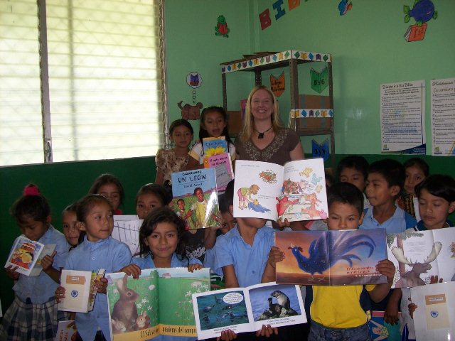 Laura with children and their books