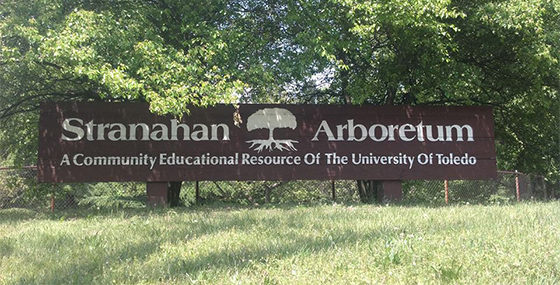 Signage to entrance of Stranahan Arboretum