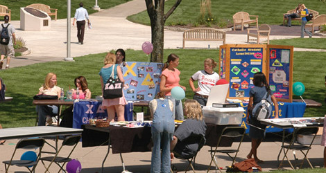 Student organization fair on the mall