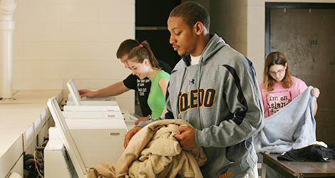 parks tower students in laundry room